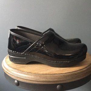 Black Dansko clogs patent leather 40
